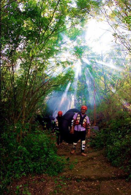 lokasi cave tubing kalisuci