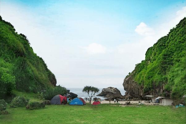 lokasi pantai mbirit