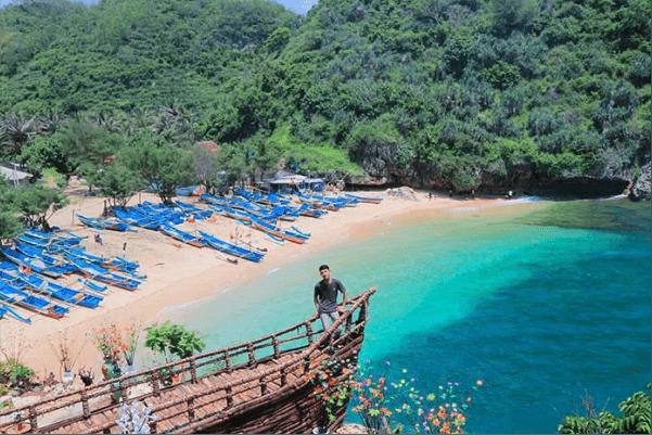 wisata pantai gesing